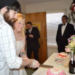 Nicole & Eric cut the cake!